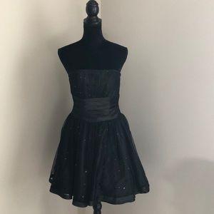 Jessica McClintock for Gunne Sax formal dress (1)